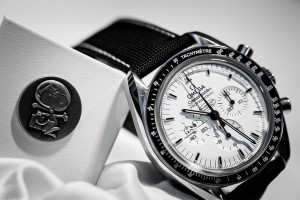 Omega-Speedmaster-Apollo-13-Silver-Snoopy-Award-Limited-Edition-Watch